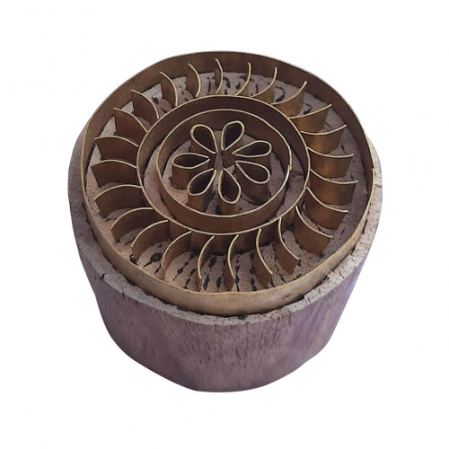 Royal kraft Asian Shape Round Brass Wooden Block