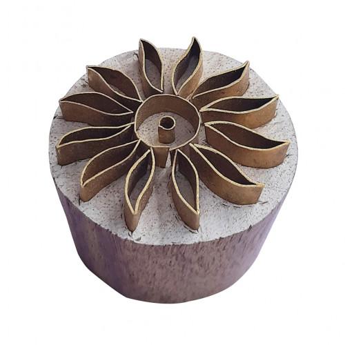 Royal kraft Handmade Pattern Round Wooden Brass Block