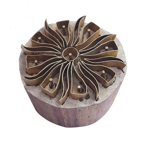 Royal kraft Exclusive Shape Round Wooden Brass Block